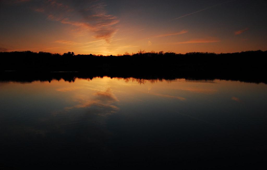 Widescreen Lake Sunset Wallpaper