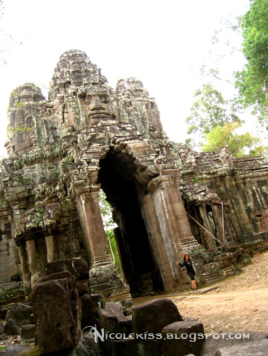 angkor thom east gate color
