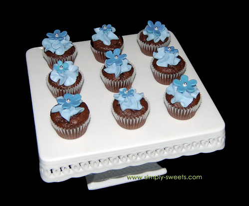 blue flowered mini cupcakes