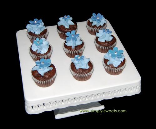 blue flowered mini cupcakes