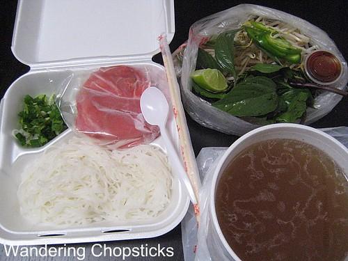 Banh Mi & Che Cali Restaurant 11