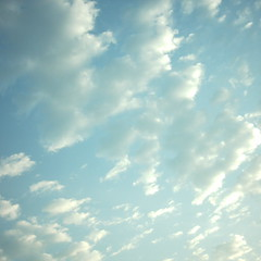 【写真】ミニデジで撮影した朝の風景(朝焼けの空と雲)