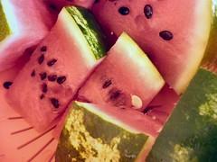 Fuori di melone (alfiererosso) Tags: red summer verde green rot rojo estate sommer watermelon verano rosso sandia anguria wassermelone grun