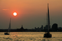 Hudson River - Sunset : Pisces Romance
