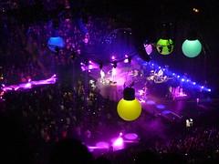 P1020479 (Salomon Salvador) Tags: toronto concert tour coldplay chrismartin aircanadacenter xy parachutes arushofbloodtothehead willchampion guyberryman johnnybuckland vivalavida