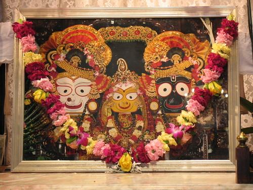 Sri Sri Jagannatha Baladeva and Subhadra por NityanandaChandra.
