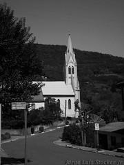Curva (em Santa Maria do Herval - RS) (Jorge Luis Stocker Jr [thesapox]) Tags: church pb igreja pretoebranco riograndedosul patrimniohistrico rotaromntica imigraoalem santamariadoherval