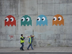 Pac Man People in Bilbao (MBA-Photography) Tags: street art spain spaceinvaders bilbao pacman paisvasco abando