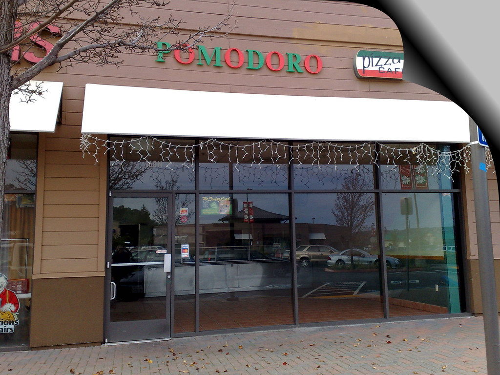 Pomodoro Pizza Cafe