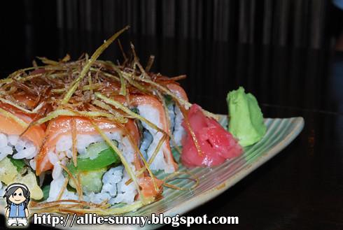 Salmon Roll Maki 2