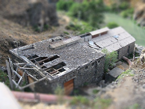 Tiltshift of White River Falls power house