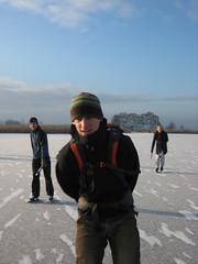 Schaatsen in Waterland-19 (b*art) Tags: winter waterland schaatsen natuurijs schaatstocht schaatsenwaterlandwinter2009 schaatstoer
