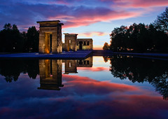 Debod (P Rubens) Tags: madrid blue light sunset sky espaa orange reflection nature water clouds canon landscape temple spain 2008 templo nwn debod templodebod prubens 1750mm abigfave tamronspaf1750mmf28 ltytr1 islascanon