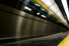 motion_metro (. J ) Tags: blue light red white motion black verde green rayas blanco yellow azul subway rojo metro negro amarillo