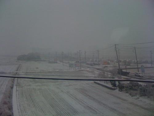 名古屋を抜けると京都は雪だった