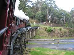 Australia 03_199 (Barrytaxi) Tags: wood trestle bridge canon australia melbourne billy g2 belgrave puffing australia2003 powershotg2