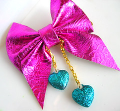 Hot Pink Metallic Hair Bow (Cicely Margo) Tags: glitter jewelry sparkle plastic glam eyecandy cicelymargo