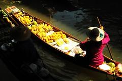 Sun and shade (Road Blog) Tags: light shadow food sunlight water sunshine thailand psp boat canal market bangkok floating diagonal vendor selling floatingmarket damnoensaduak aplusphoto