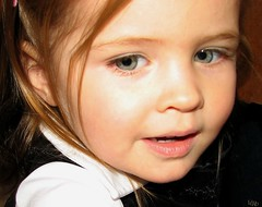 Koralie (-VéRo-) Tags: girl kid teen enfant fille fillette photoquebec lysdor