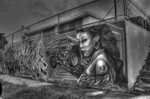 B&W HDR Graffiti Wall