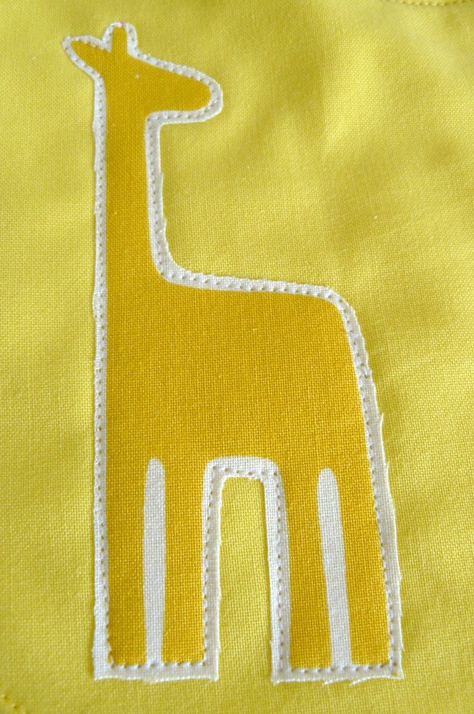 Giraffe and Bird Bib (detail giraffe)