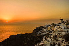 Oia Sunset, Santorini, Greece (Souvik_Prometure) Tags: sunset night santorini greece 101 soe hdr oia fira greekisland nikkor18200vr flickrsbest mywinners abigfave nikond80 platinumphoto aplusphoto theunforgettablepictures platinumheartaward goldenheartaward thegalleryoffinephotography souvikbhattacharya