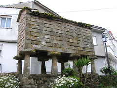 "Horreos (Storage Shed) in Finisterre • <a style=""font-size:0.8em;"" href=""http://www.flickr.com/photos/48277923@N00/2626536422/"" target=""_blank"">View on Flickr</a>"