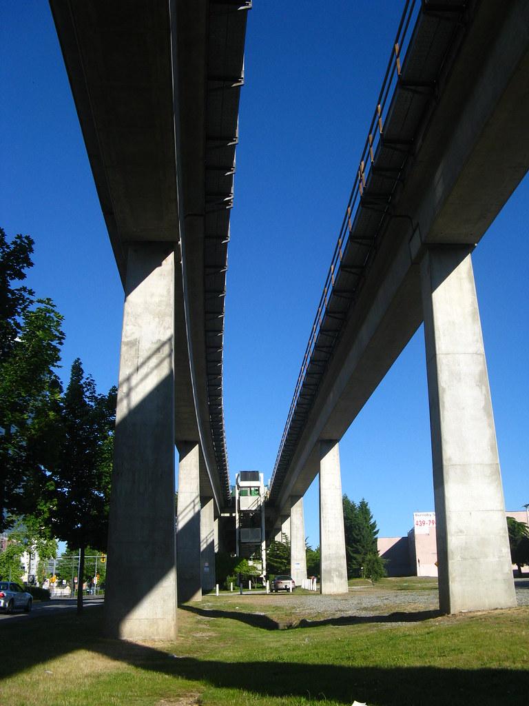 Skytrain - Metrotown