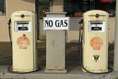 No Gas (DetroitDerek Photography ( ALL RIGHTS RESERVED )) Tags: cruise red urban car sign yellow shop vintage fix birmingham body empty detroit dream shell retro pump woodward gasoline seventies oldie fuel 248 collector berkley motown woodwarddreamcruise nogas vinsetta