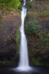 Horsetail Falls (colin grubbs) Tags: longexposure water oregon river waterfall falls columbiariver olympic columbiarivergorge naturephotography potofgold nikond40 colingrubbs