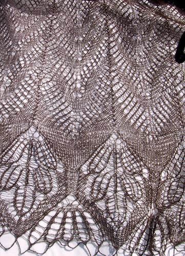 zigzag camel shawl closeup