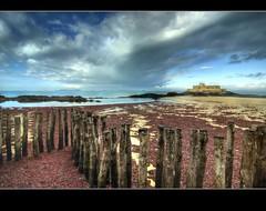 Saint Malo - le fort national (3) (philippe MANGUIN photographies) Tags: city mer seascape france saint landscape seaside fort bretagne national corsair vague et hdr malo ille cite corsaire brise vilaine