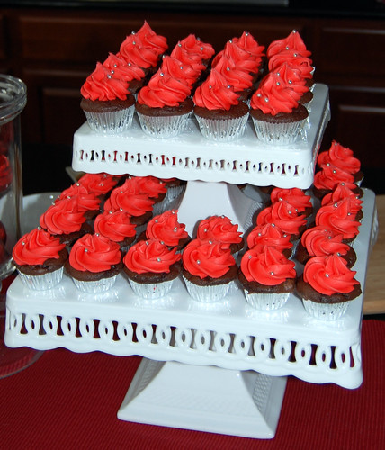 2 tier stand with holiday mini cupcakes