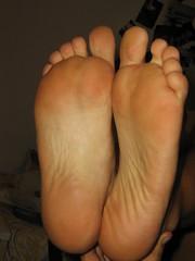 Immagine 025 (piediitalian) Tags: feet foot toes sole piante smelly piedi piedini piedoni