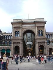 Piazza del Duomo + Galleria Vittorio Emanuele II (1) (Yure y Maureen) Tags: milano miln