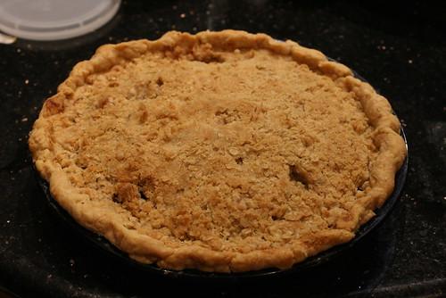 Blue-Pear-y crumb pie