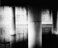 (Ikuspuntuak) Tags: urban bw white black blanco luz negro ciudad bn paseo contraste soledad viñeta bizkaia juanjo sombras simetria herria basauri hiria enfoque paseoberria berria nopersonas sug3a ibiltzen kaletikibiltzen paseoan ikuspuntuak kaletik