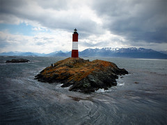 Faro Les Eclaireurs, Canal de Beagle (RolAdn) Tags: patagonia lighthouse beagle argentina faro tierradelfuego ushuaia beacon channel beaglechannel leseclaireurs aplusphoto top20argentina