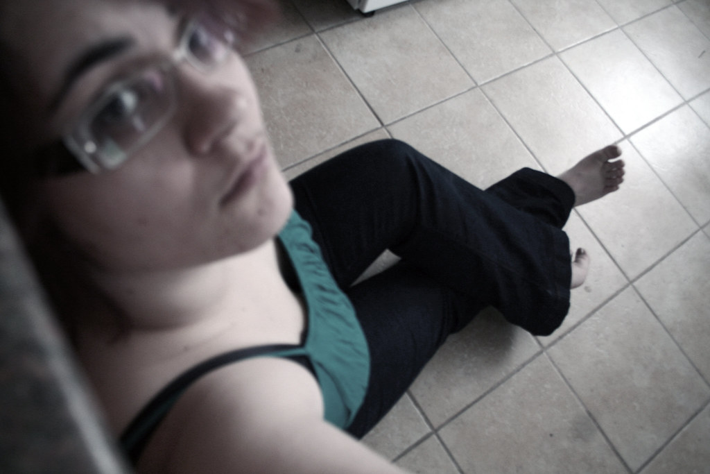392/731 - Just sitting on the kitchen floor...