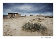 Txabola (ikertxi) Tags: paisaje zb euskalherria navarra txabola nafarroa paisaia bardenas canon1022 chabola bardeak