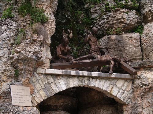 Santurio Madonna della Corona