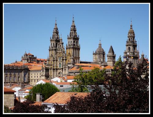 Catedral De Santiago De Compostela por symmachiarii.
