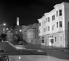 Greenwich Street, San Francisco (Dizzy Atmosphere) Tags: sanfrancisco mediumformat ilfordhp5 coittower northbeach telegraphhill stocktonstreet greenwichstreet fujigs645s