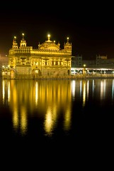 The Golden Temple (gurbir singh brar) Tags: india water nikon visualarts d200 gurdwara goldentemple afc kartpostal amazingamateur thisisexcellent gurbirsinghbrar reflectyourworld novavitanewlife