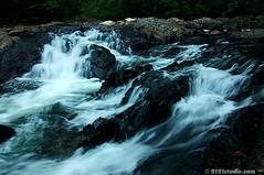 Silky Stream II @ Endau Rompin (2121studio) Tags: nature nikon stream d70s ali malaysia indah kuantan alam endaurompinstatepark 2121studio kuantanphotographer pahangphotographer tamannegeriendaurompin ciptaanallahswt
