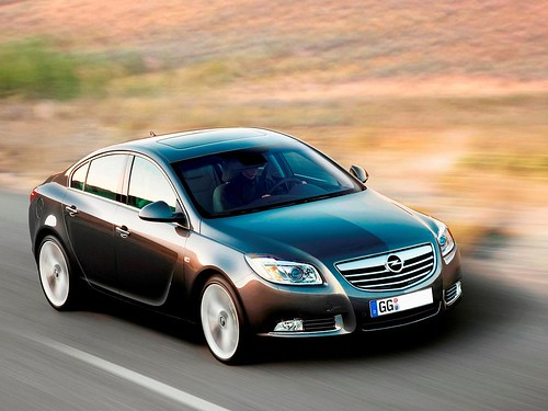 DeOpel Insignia is de 'Auto van het Jaar 2009' geworden...