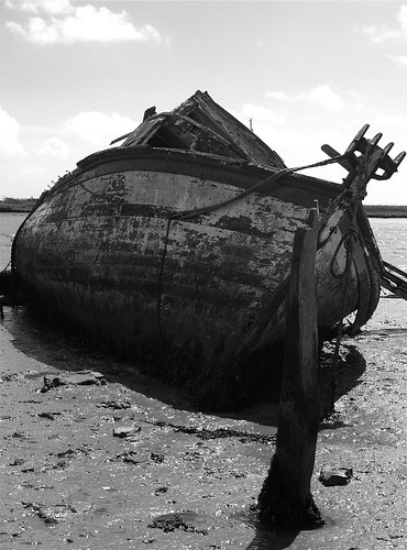 Abandoned boat at Orford Quay