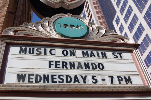 musicmain_fernando_marquee_close