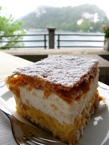 "Yummi ""Park Cream Cake"""
