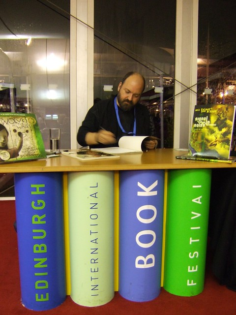 Dave McKean signing at Edinburgh Book Festival 2